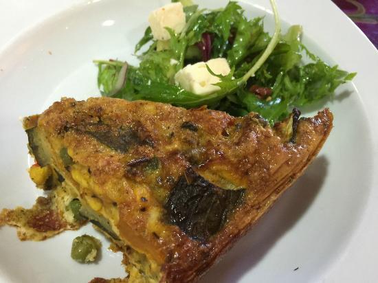 Natural Temptations: Frittata w/ Greek Salad