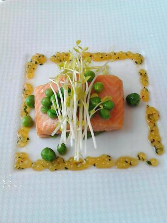 Restaurant Adler: Saibling mit Vinaigrette aus Saiblingkaviar
