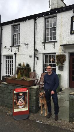 Brown Horse Inn: Dogs are welcome in the bar area and have their own food menu and Treats.