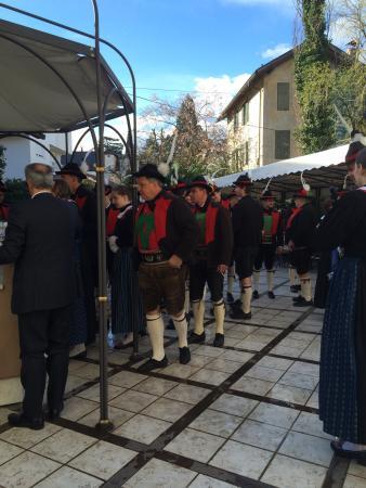 Castel Rundegg Hotel: Banda locale a Pasqua