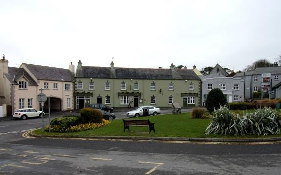 The Cuan: Front view of Hotel