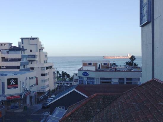 Atlantic Affair Boutique Hotel: Partial sea view from Penthouse (Room 301)