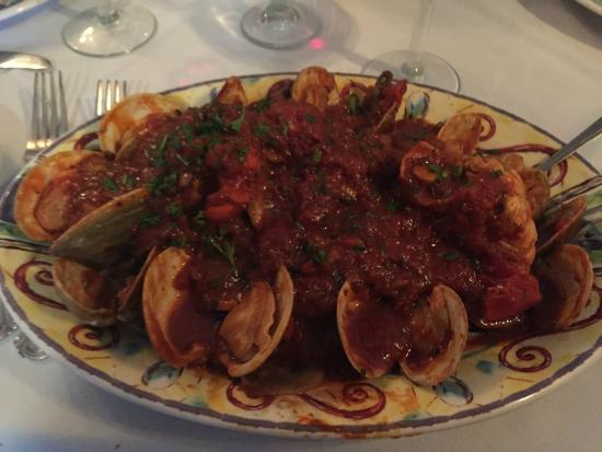 La Perla at the Gregory House: Easter Special w/clams,lobster tails, shrimp