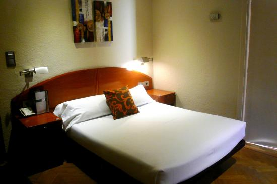 Cuscini A Salsicciotto.Il Letto E I Cuscini A Salsicciotto Picture Of Hotel Regina