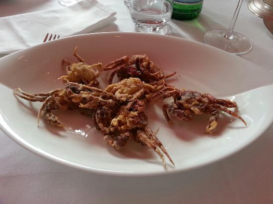 Ristorante Garibaldi: Linguine all'astice ,  moleche carciofi e dolce