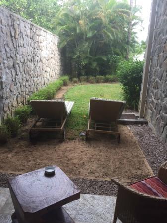 Baie Lazare, Ilhas Seychelles: Where's the beach?