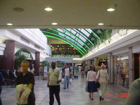 how to get to chadstone shopping centre from city