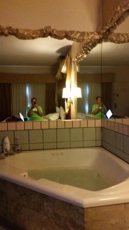 Best Western Lake Okeechobee : King HotTub Suite