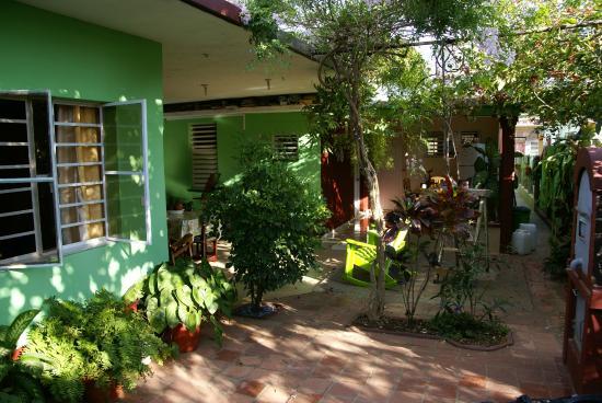 Casa Lucilo y Nirma: giardino interno