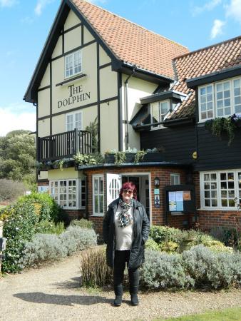 Dolphin Inn Restaurant: Outside The Dolphin