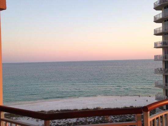Beach Colony Resort: Beach view from balcony