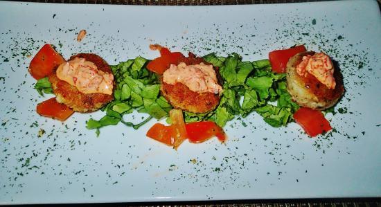 Driftwood Restaurant & Bar: the fish cakes appetizer
