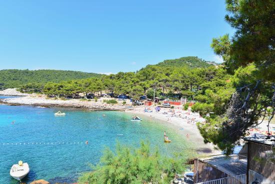 Hvar, Croatia: pogled na plažu