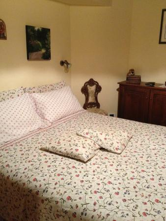 Camera da letto della Suite - Foto di B&B La Margine, Bagni di ...