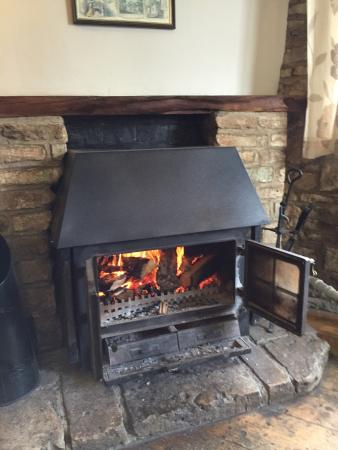 Rose & Crown Inn: Small fire in Bar area