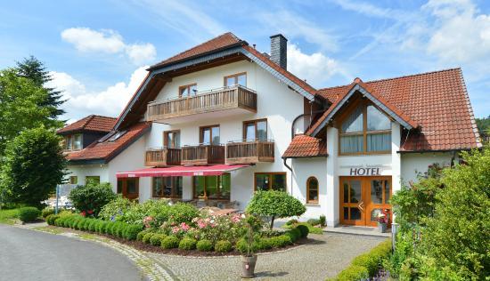 Rh n hotel sonnenhof bewertungen fotos preisvergleich for Familienhotel hessen