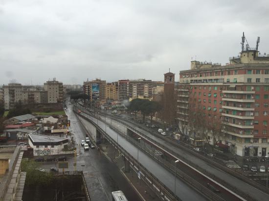 Amico Hotel: Panorama dal settimo piano sulla Tangenziale
