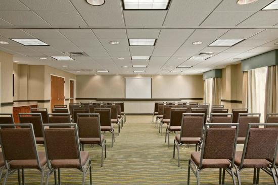 Hampton Inn Dunn: Meeting Facility