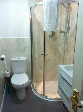 Bannerman Bed and Breakfast: Bathroom