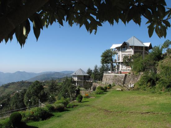 Himgiri Nature Retreat, Hotels in Sirmour