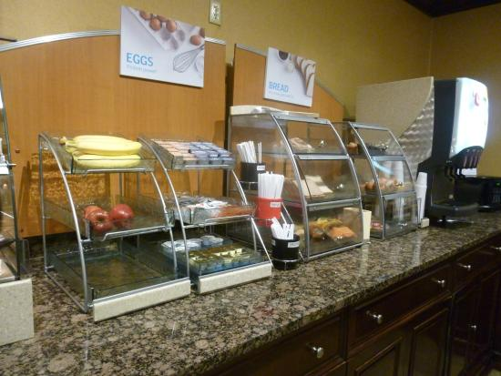 Holiday Inn Express North Bergen - Lincoln Tunnel: Desayuno