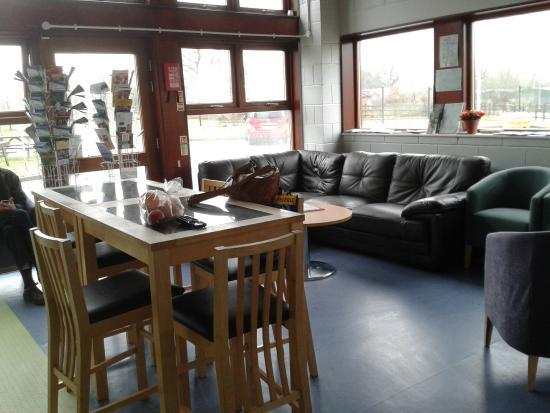 Stay Green Edenbridge : Communal kitchen/lounge