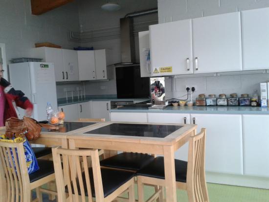 Stay Green Edenbridge : Communal kitchen table