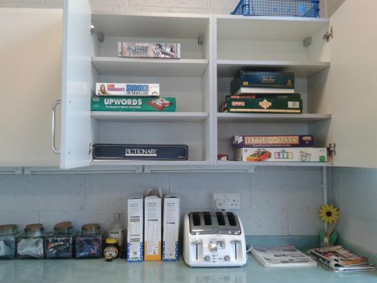 Stay Green Edenbridge : Games cupboard