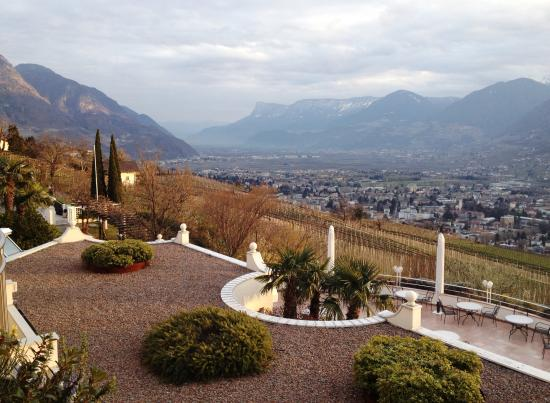 Hotel Castel: Sicht übers Tal