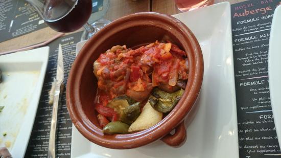 Auberge du Bon Vivant : Camembert rôtie, moules au four à l'aïoli, pied de porc, morue