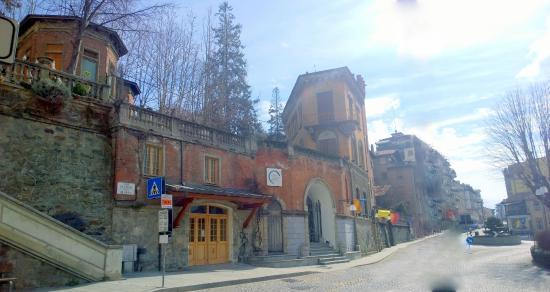 Saint-Vincent, Italie : INGRESSO alla FUNICOLARE