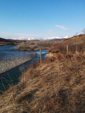 Waterton River Suites : river