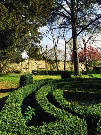 Manoir de Boisairault: Joli jardin