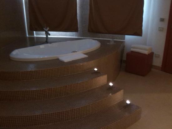 Hotel Motel Castelletto: Suite - l'idromassaggio x 2