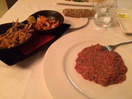 Mas Ses Vinyes: Steak Tartar... Delicioso