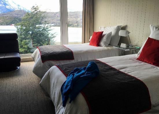 Lago Grey Room