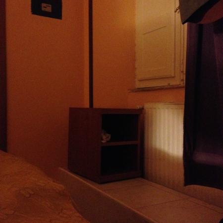 San Daniele Bundi House : un chevet posé par-ci par-là...