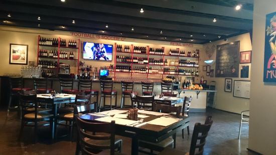 Rosso Pizzeria & Wine Bar: Agradável
