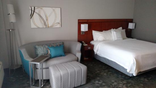 Courtyard by Marriott Jacksonville Beach Oceanfront: Newly designed rooms