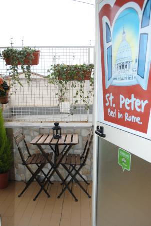 St Peter Bed in Rome: outdoor space