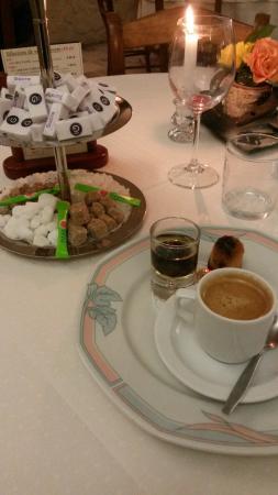 Le Cheval Blanc : Le café normal ! :)