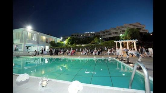 Picine rais fotograf a de hotel rais alger tripadvisor for Piscine algerie