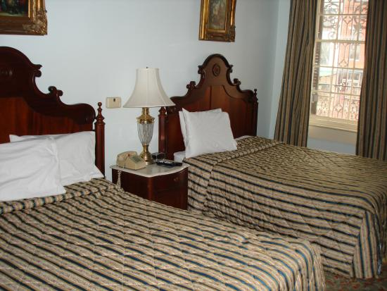 St. James Hotel: Room pic 1