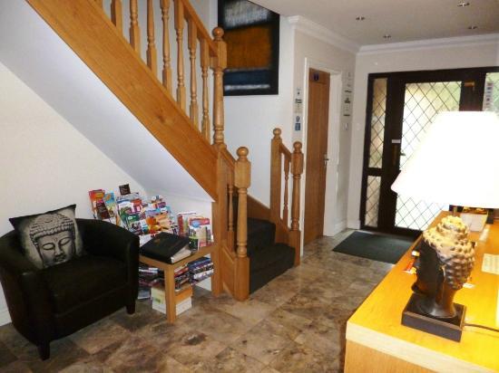 Barncroft Guest House: Entrance area