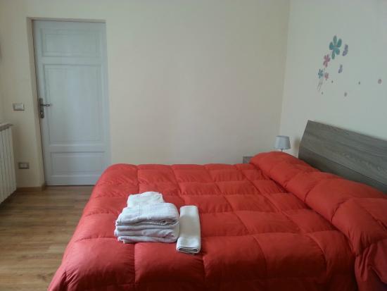 Villa Zara : spacious bedroom