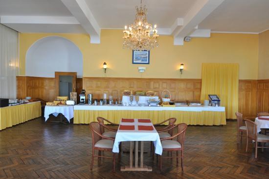 Le Grand Hôtel : buffet petit déj
