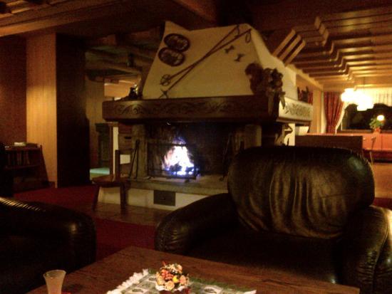 Hotel Orsingher: Il grande Camino.