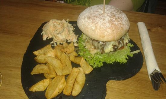 The City Arms: BBQ burger - very good