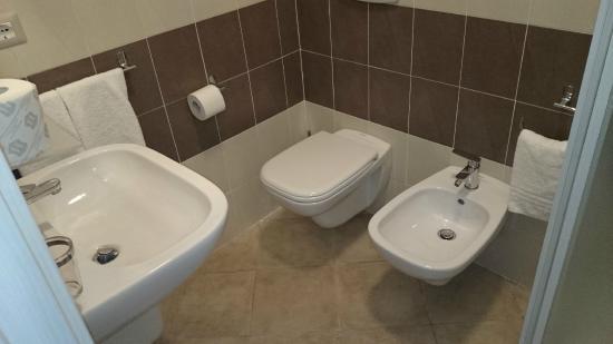 bagni belli moderni e puliti - foto di hotel montecarlo, milano ... - Bagni Belli Moderni