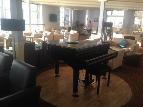 The Imperial Tenby Hotel: lounge